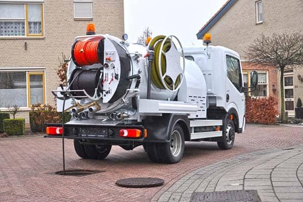 camion hydrocureuse nettoyage haute pression