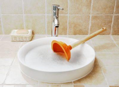 dépannage lavabo bouché