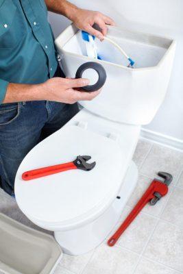 réparation toilette par un plombier