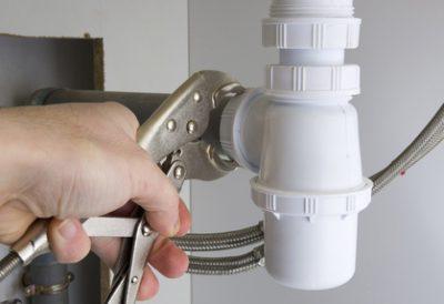 installation arrivée d'eau par un plombier