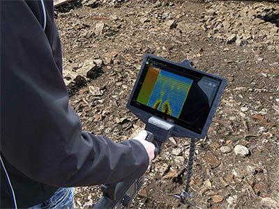 Recherche une canalisation égout avec un radar au sol ou le géoradar